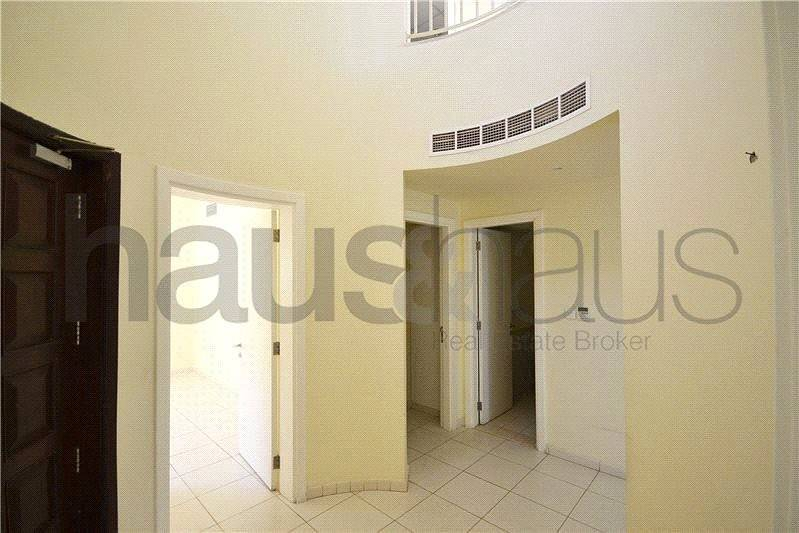 2 Well presented | 1M | Close to pool/park