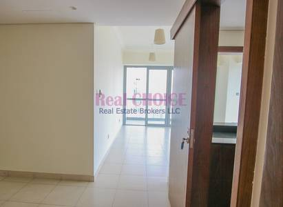 2 Bedroom Flat for Rent in Downtown Dubai, Dubai - Chiller Free | Partial Burj Khalifa View