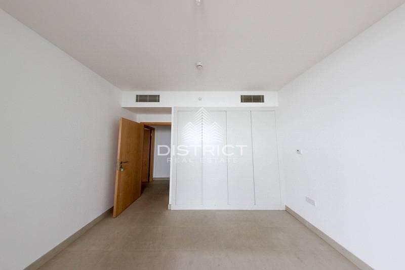 2 Top  Standard 1 BR Apartment in Al Zeina