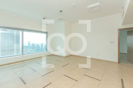2 Bedroom Flat for Rent in Downtown Dubai, Dubai - Fountain Facing |High Floor|Close to the Metro| Vacant