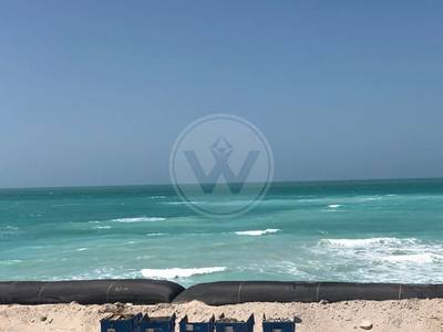 2 Bedroom Apartment for Sale in Saadiyat Island, Abu Dhabi - Exclusive! Oceanfront with stunning view