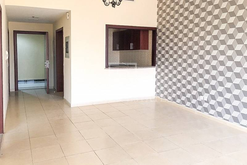 Reduced !Spacious 1- Bed  with Balcony