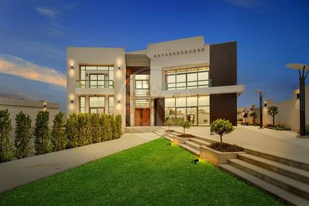 6 Bedroom Villa for Sale in Mohammed Bin Zayed City, Abu Dhabi - Stunning architect designed luxury villa