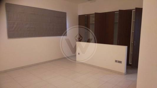 4 Bedroom Villa for Rent in Eastern Road, Abu Dhabi - Well maintained large villa with a pool!