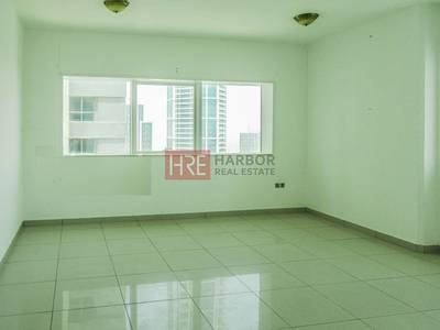 2 Bedroom Flat for Rent in Dubai Marina, Dubai - Spacious 2 - BR with Amazing Marina View