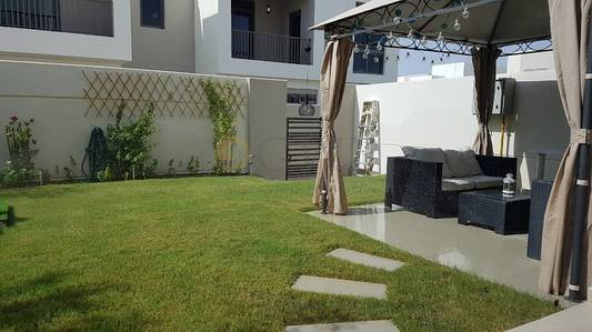 3 Bedroom Townhouse for Sale in Town Square, Dubai - Type5.Vacant.Kitchen partitioned smartly
