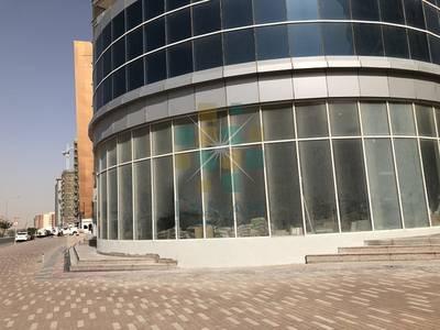 Shop for Rent in Dubai Silicon Oasis, Dubai - Corner view