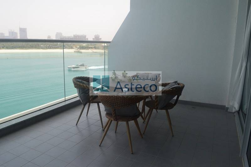 Aamazing view in Azure residence with beach access