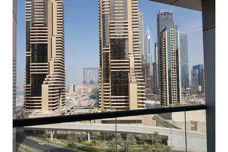1 Bedroom Apartment for Rent in Dubai Marina, Dubai - Furnished 1BR in Mid Floor in Sky View Tower