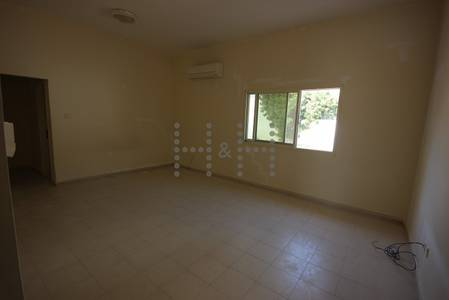 4 Bedroom Villa for Rent in Umm Al Sheif, Dubai - Refurbished villa with 1 month rent period