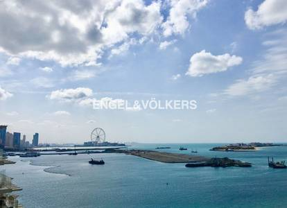 2 Bedroom Flat for Sale in Palm Jumeirah, Dubai - Luxury Life Style | With Full Sea View