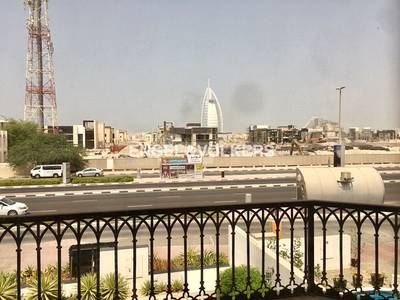 4 Bedroom Villa for Rent in Umm Suqeim, Dubai - Facing Burj Al Arab Hotel | Easy Viewing