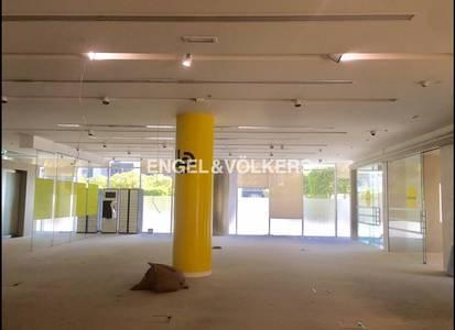 محل تجاري  للايجار في وسط مدينة دبي، دبي - Rare Retail Space|High Demand|Prime Area