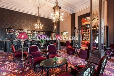Shop for Rent in Palm Jumeirah, Dubai - Private Club