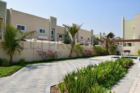 4 Bedroom Villa for Rent in Khalifa City A, Abu Dhabi - Spacious 4 BR villa in Complex in KCA: With Facilites