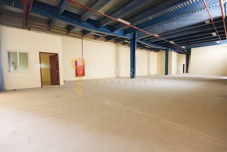 Warehouse for Rent in Nad Al Hamar, Dubai - Warehouse  Exclusive is at Negotiable Price