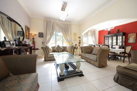 5 Bedroom Villa for Sale in The Meadows, Dubai - Type 8 Vacant on transfer Huge 5 beds villa in Meadows 8