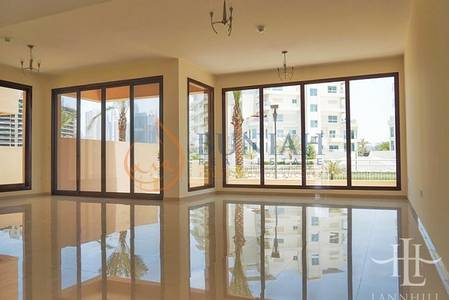 4 Bedroom Townhouse for Sale in Jumeirah Islands, Dubai - 4 Bedroom with maid room
