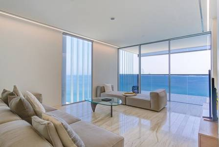 4 Bedroom Penthouse for Sale in Palm Jumeirah, Dubai - Beautiful Penthouse with Dubai Skyline View Designed by Pritzker Award Architect