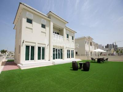 Spacious 4BR+M Villa *5 years payment plan