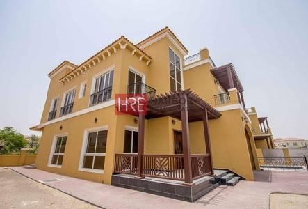 فیلا  للبيع في ذا فيلا، دبي - High-Quality Custom-Made 5BR Villa with Private Pool