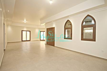4 Bedroom Villa for Rent in Jumeirah, Dubai - Brand New Beautiful Arabesque 4+M+S with Private Garden and Roof Terrace