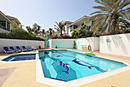 5 Bedroom Villa for Rent in Umm Suqeim, Dubai - ONE MONTH FREE!RENOVATED 5BED+MAID'S W/GARDEN