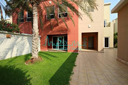 4 Bedroom Villa for Rent in Umm Suqeim, Dubai - STUNNING 4BR+MAIDS VILLA WITH GARDEN IN UMM SUQEIM 1