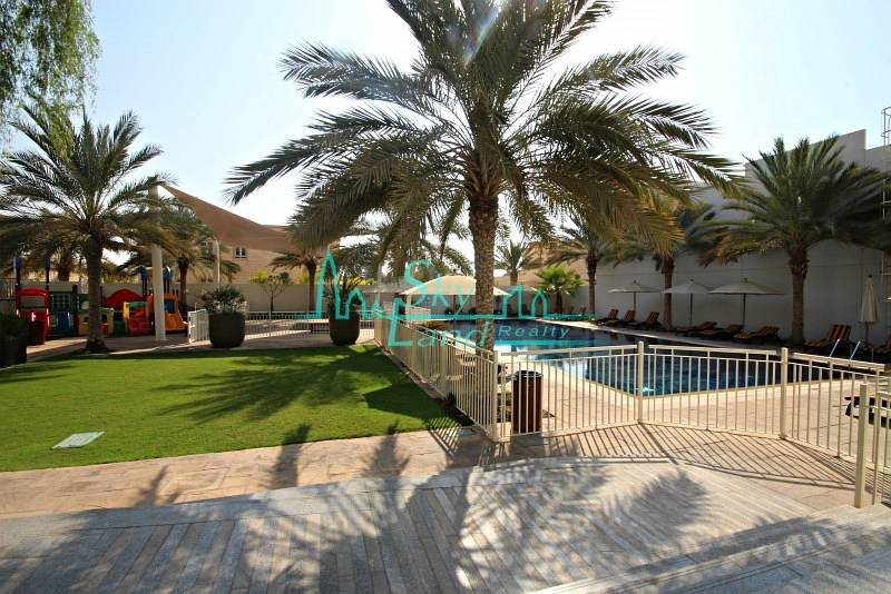 ONE MONTH FREE!HIGH QUALITY 4BR+MAIDS VILLA IN A COMPOUND WITH POOL AND GYM