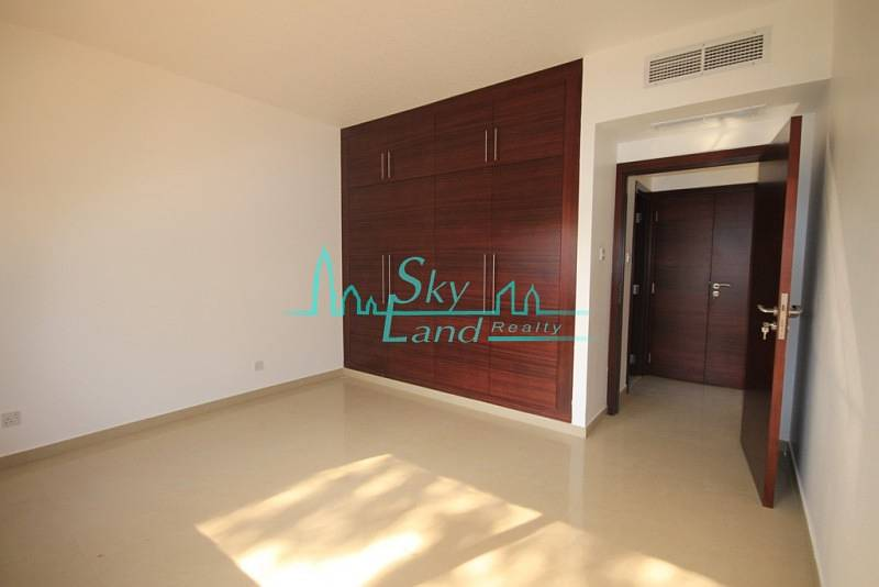 RENOVATED 3BR+MAID'S SINGLE STOREY VILLA WITH LARGE GARDEN IN UMM SUQEIM 1