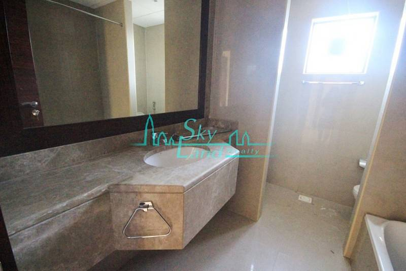 18 RENOVATED 3BR+MAID'S SINGLE STOREY VILLA WITH LARGE GARDEN IN UMM SUQEIM 1