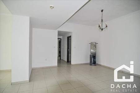 2 Bedroom Flat for Rent in Downtown Dubai, Dubai - VACANT SPACIOUS 2 BED WITH CHILLER FREE!
