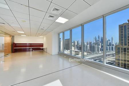 Office for Rent in Jumeirah Lake Towers (JLT), Dubai - Well fitted | High floor | High-end Tower