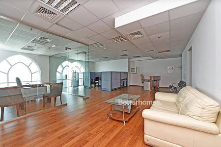 Office for Rent in Jumeirah Lake Towers (JLT), Dubai - Fully Furnished Partitioned Office in JLT