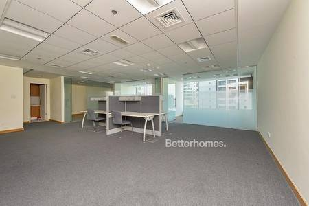 Office for Rent in Jumeirah Lake Towers (JLT), Dubai - Fitted | 3 Partition | Close to Metro