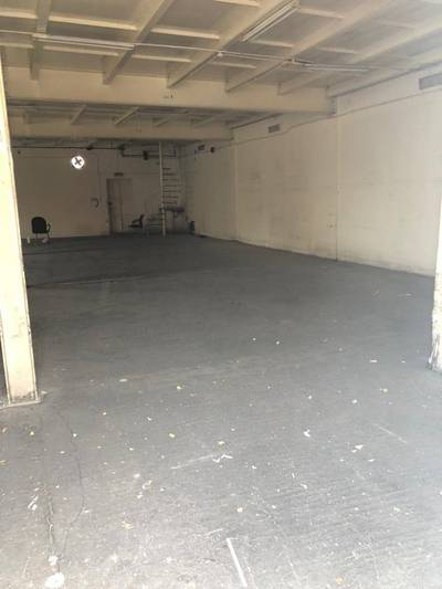Warehouse for Rent in Al Khabisi, Dubai - Al kabaisi 4000 sq ft commercial warehouse with office