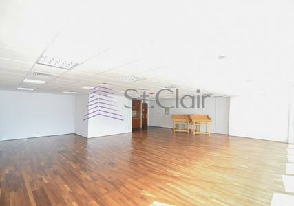 Office for Rent in Jumeirah Lake Towers (JLT), Dubai - Fitted Office Wooden Flooring   Mid Floor
