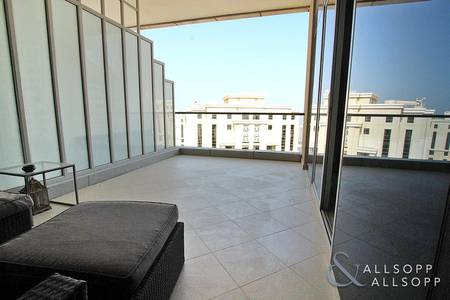 1 Bedroom Penthouse for Rent in Dubai Marina, Dubai - Very Rare 1 Bed   Penthouse   Unfurnished