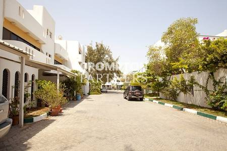 4 Bedroom Villa for Rent in Al Karamah, Abu Dhabi -  Tennis Court - Compound Villa