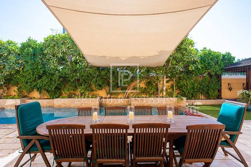 Must be Seen Upgraded Villa with Pool