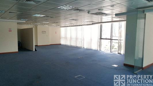 Office for Rent in Jumeirah Lake Towers (JLT), Dubai - Fitted | Low Floor | Balcony | Vacant.
