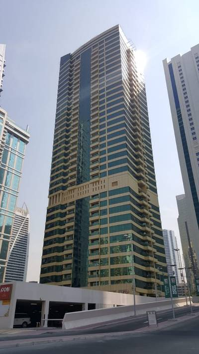 1 Bedroom Apartment for Rent in Jumeirah Lake Towers (JLT), Dubai - 1 BHK with Large Size -- Upper Floor- Full Facilities - JLT