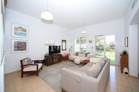 3 Bedroom Villa for Sale in The Lakes, Dubai - Well-Maintained 3BR Type 2M in Ghadeer