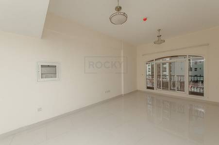 2 Bedroom Flat for Rent in Bur Dubai, Dubai - 2 B/R| Pool & Gym | Bur Dubai