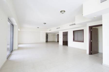 4 Bedroom Apartment for Sale in Business Bay, Dubai - Canal View  4BR+Maid  Executive Tower J