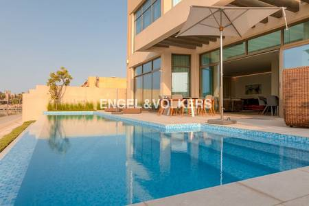 5 Bedroom Villa for Rent in Palm Jumeirah, Dubai - Private and Modern Built | Skyline Views