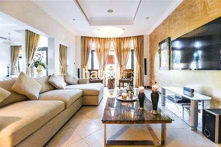 3 Bedroom Villa for Rent in Palm Jumeirah, Dubai - Now Available | Key with Me | Upgraded |