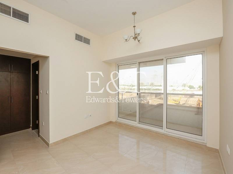 Brand new Spacious 4 Beds Townhouse