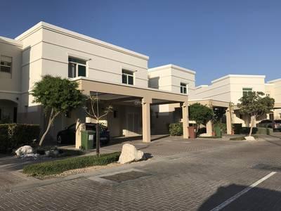 تاون هاوس 2 غرفة نوم للايجار في الغدیر، أبوظبي - Perfect home with garden for a small family