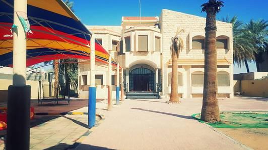 10 Bedroom Villa for Rent in Al Azra, Sharjah - Large Commercial Villa in Azra For Rent